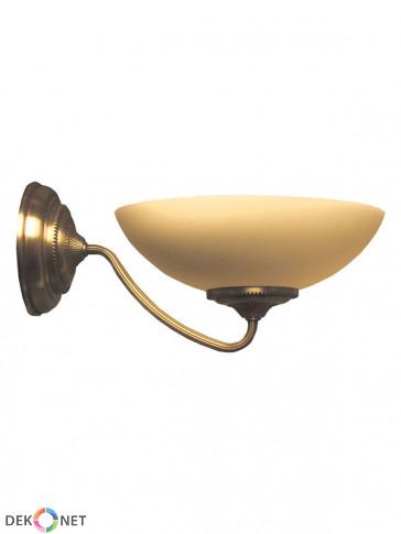 Kinkiet Saturn. Klasyczny 1 płomienny kinkiet, mosiądz w połączeniu z kloszem w kolorze ecru.